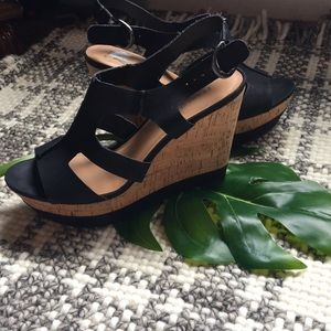Sexy Franco Sarto black tan scrappy wedges sz 8.5